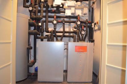 Woning voorzien van warmtepomp met aardwarmte te Grootebroek.
